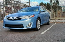 2012 Toyota Camry Hybrid XLE: First Look