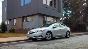 Acura Hybrid on First Look At The Latest Ride Of The Week  A 2013 Acura Ilx Hybrid
