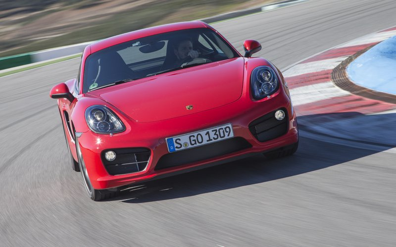 2014 Porsche Cayman S review livingvroom.com front