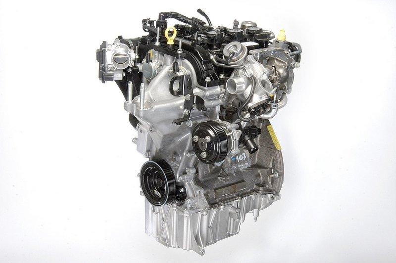2014 Ford Fiesta SFE 1-liter EcoBoost road trip engine - LivingVroom.com