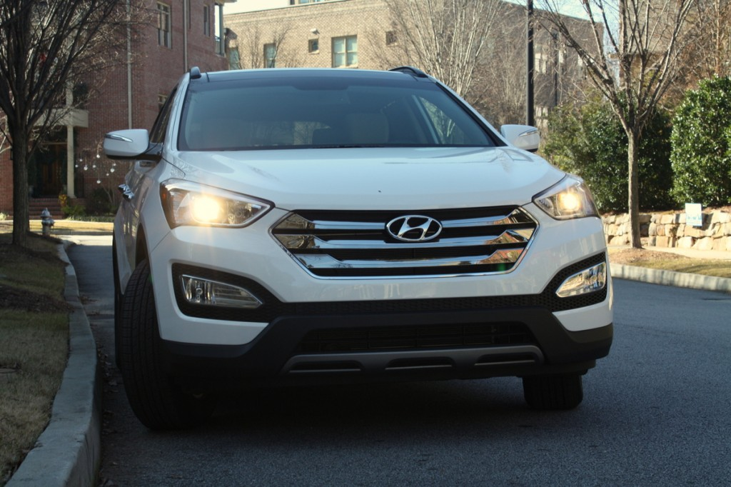 2014 Hyundai Santa Fe Sport first look