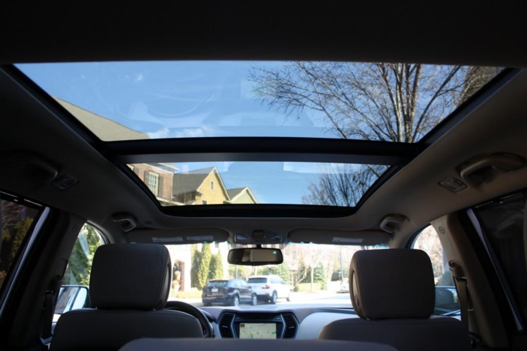 2014 Hyundai Santa Fe Sport panoramic roof